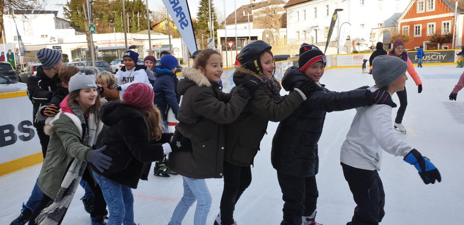 1b Eislaufen + Gesunde Jause